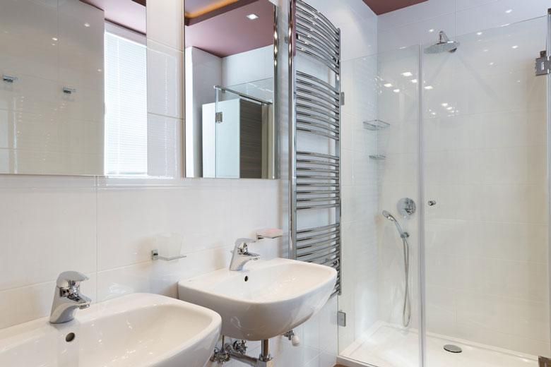 quel type de chauffage pour une salle de bain. Black Bedroom Furniture Sets. Home Design Ideas