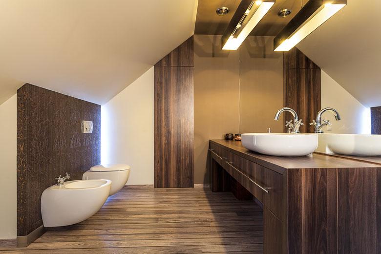 Miser sur le bois dans une salle de bain n u2019est plus une folie Salledebain be # Parquet Bois Salle De Bain