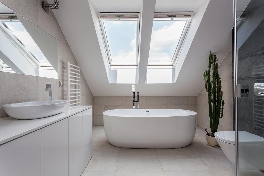 Comment aménager une salle de bain dans le grenier ?
